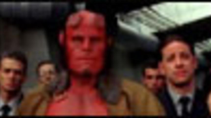Affiche en français du film Hellboy II : L'armée d'or