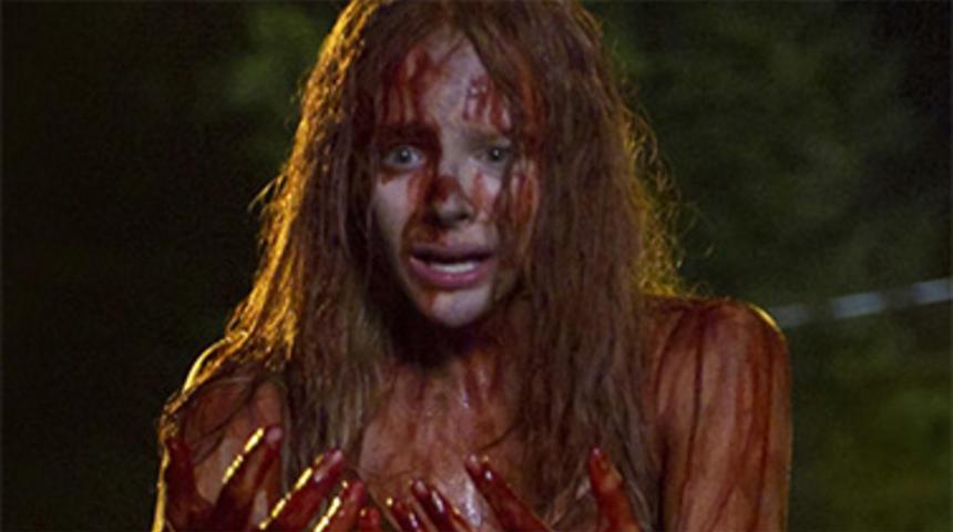 La sortie du remake de Carrie repoussée de plusieurs mois