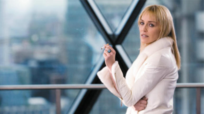 Sharon Stone se joint à Attachment