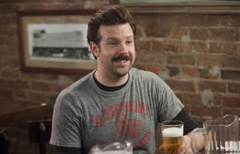 Jason Sudeikis se joint à Will Ferrell dans Dog Fight