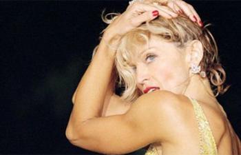 Madonna de retour derrière la caméra