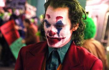 Une première affiche du film Joker avec Joaquin Phoenix