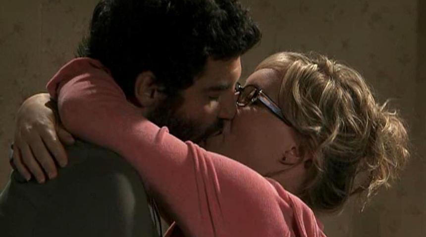 Bande-annonce du film Le baiser du barbu