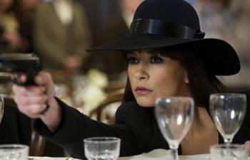 Catherine Zeta-Jones dans l'adaptation cinématographique de la série Dad's Army